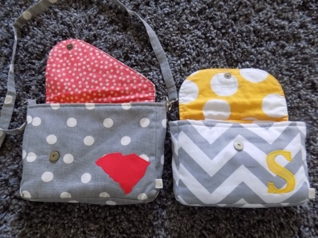 Here's a peek of the inside of my 2 bags.